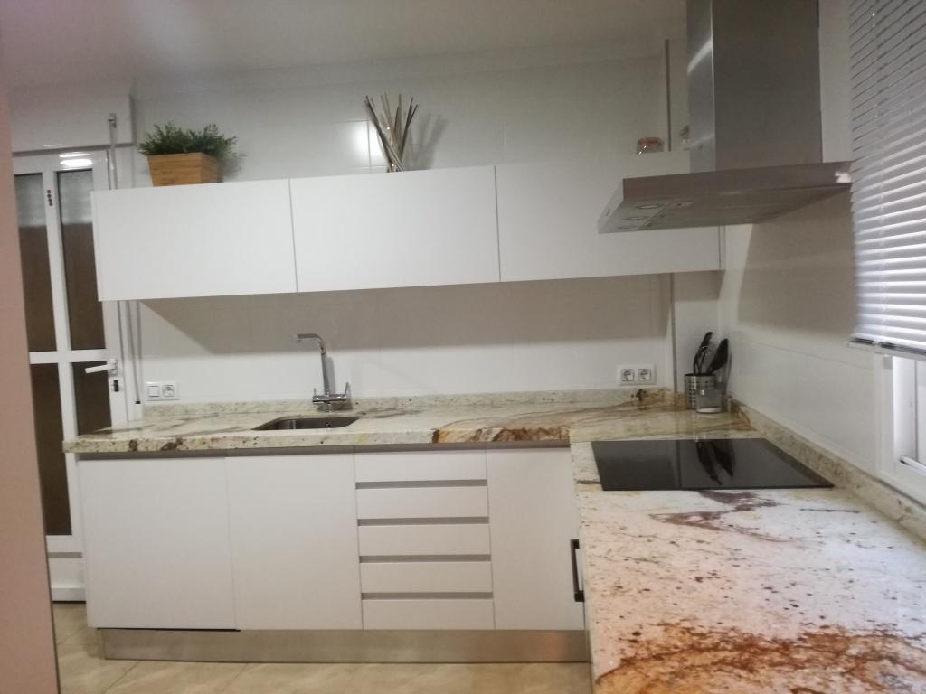 Cocina metaldeco zenit blanco for Muebles totana