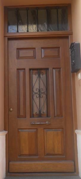 Creaciones estilo trabajos puertas for Puertas de entrada de madera baratas